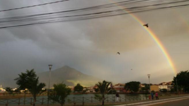 Lindo arco-íris em Governador Valadares MG