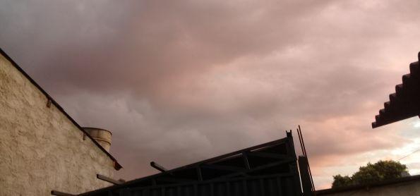 Nuvens vindo do Sul