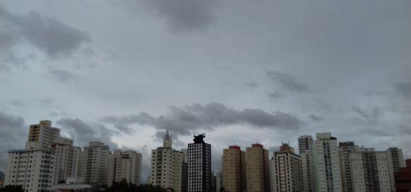 Tarde nublada e fria em São Paulo!