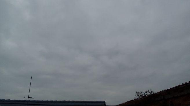 Ceu nublado nessa manha em curitiba. #fotografootempo
