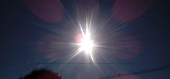 Sol brilha forte nesse domingo em curitiba