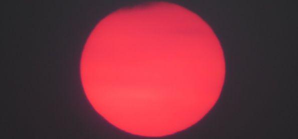 Pôr do sol rosa no dia 20 de agosto na Montanha...