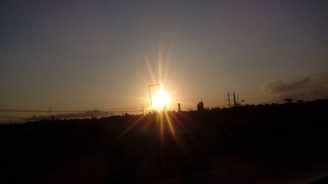 Por do sol na cidade industrial de curitiba nesse domingo #fotografootempo