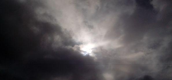 Manha com muitas nuven em curitiba
