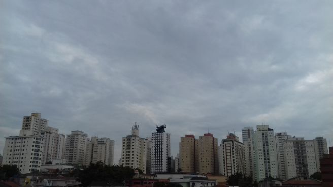 Dia nublado e com chuva leve em São Paulo!