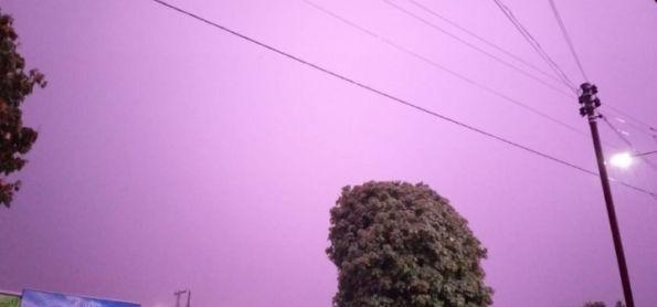 Chuva e muitos raios.