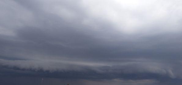 Chuva chega em Ivinhema MS e muda a cara do clima na região