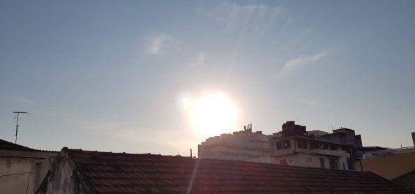 6:15 hs Sol forte e céu claro