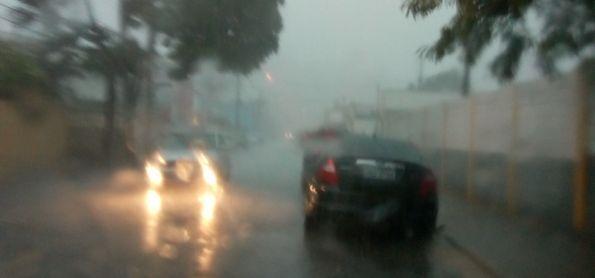 Tempestade à tarde em Betim MG