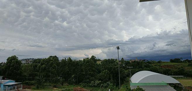 Nuvens Mammatus no céu de São Miguel do Oeste - SC