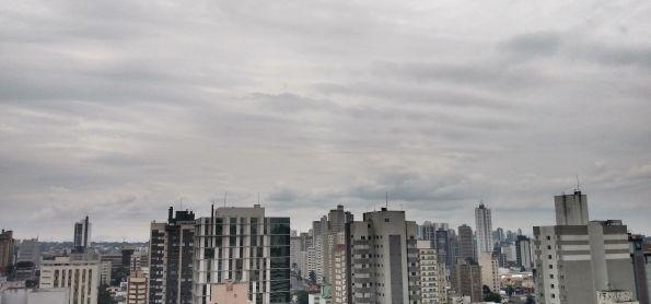 Manhã ar triste em Curitiba