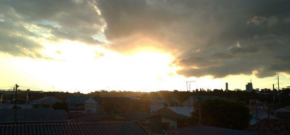 Sexta feira de por do sol em Curitiba neste fim de tarde,27/03/2020