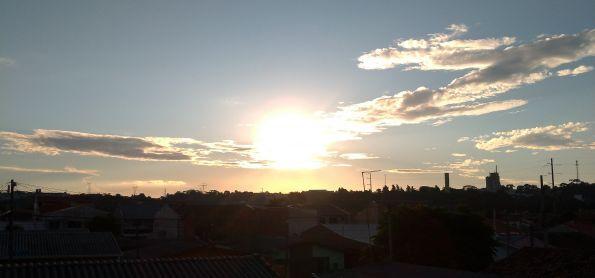 Lindo por do sol neste Domingo em curitiba