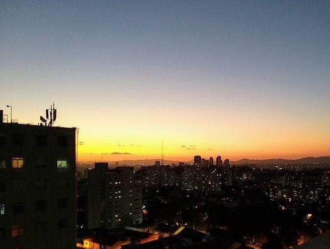 #fiqueemcasa Início da Noite em SP temperatura caindo