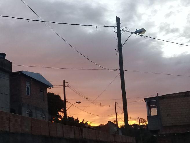 Por do Sol em Ribeirão das Neves ( MG ) .