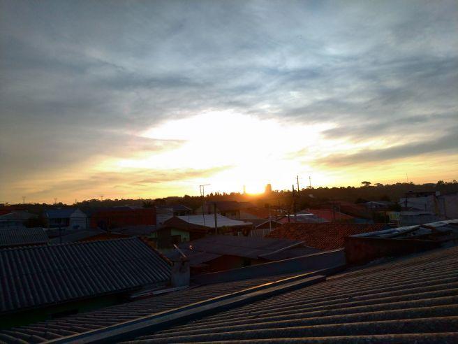 Por do sol  Curitiba Paraná nesta quinta feira