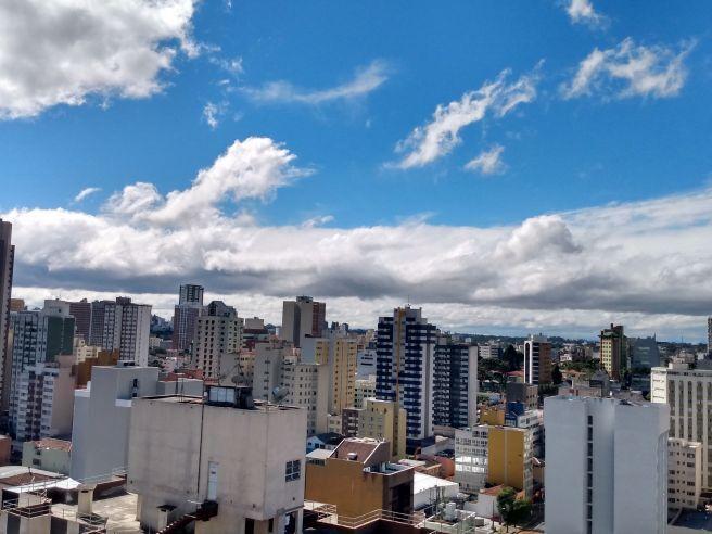 Manhã em Curitiba.