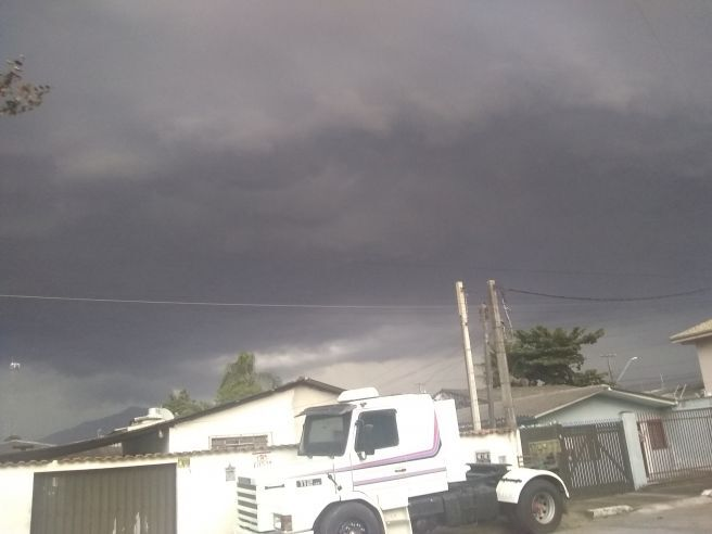 Tempestade chegando em Paranaguá