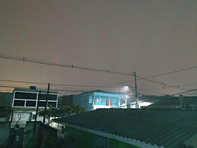 Nevoeiro neste exato momento na grande curitiba parana nesta noite