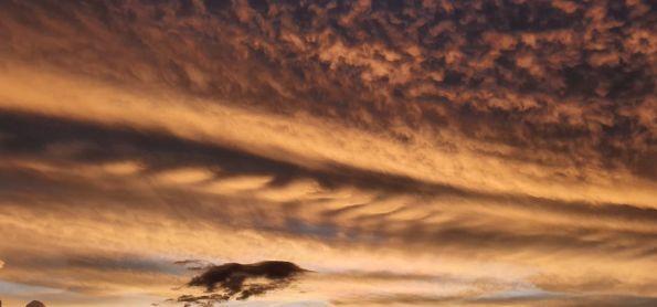 Pôr-do-Sol magnífico no dia 24/11 em Juiz de Fora (MG).
