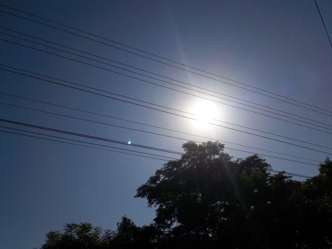 Teresina - Piauí com dia com um céu azul e um sol lindo