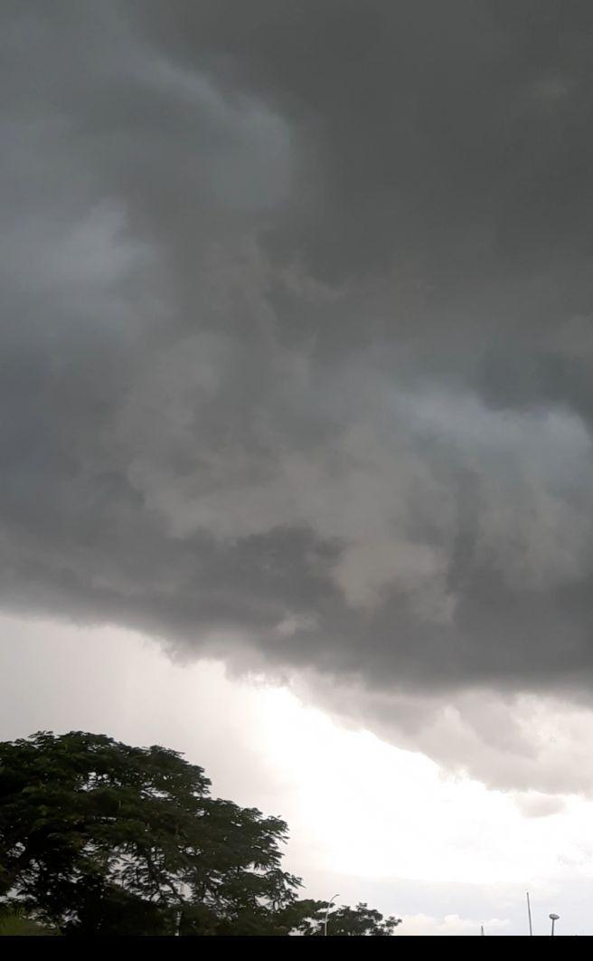Mais uma tarde de tempestade em Brasília