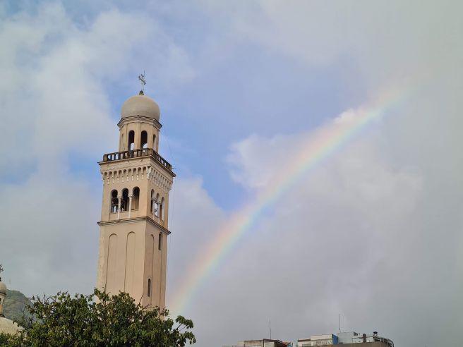 Manhã com arco-íris