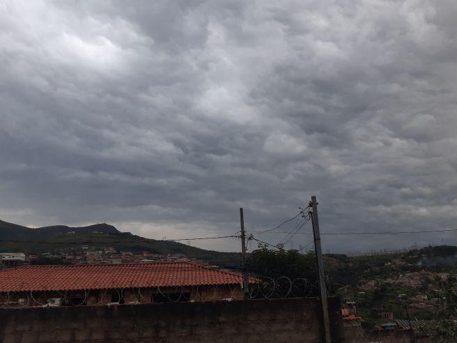 Tempo nublado em Belo Horizonte